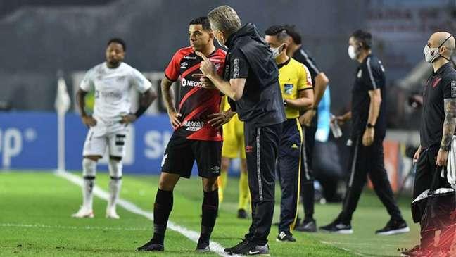 Athletico bateu o Peixe por 1 a 0 (Foto: Gustavo Oliveira/athletico.com.br)