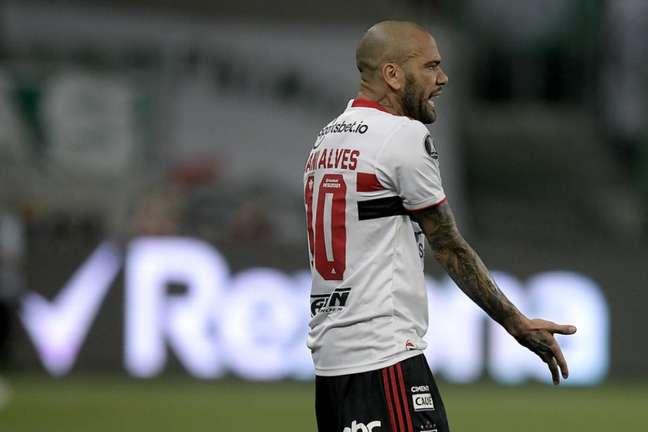 Vai para o Flamengo? Daniel Alves não defenderá mais o São Paulo (Foto: Staff Imagens/Conmebol)