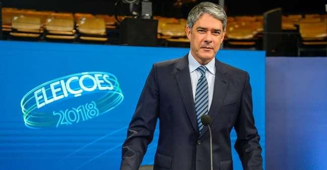 William Bonner no cenário do debate da eleição presidencial de 2018 na Globo