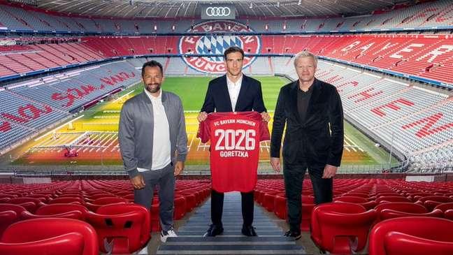 Leon Goretzka ampliou contrato com o Bayern nesta quinta-feira até 2026 Divulgação Bayern