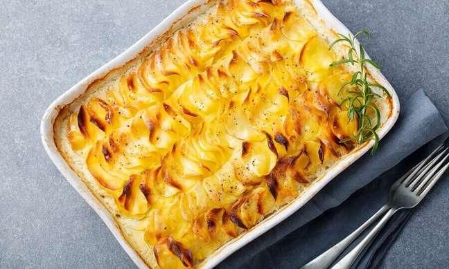 2. Como fazer batata gratinada com queijo – Foto: iStock