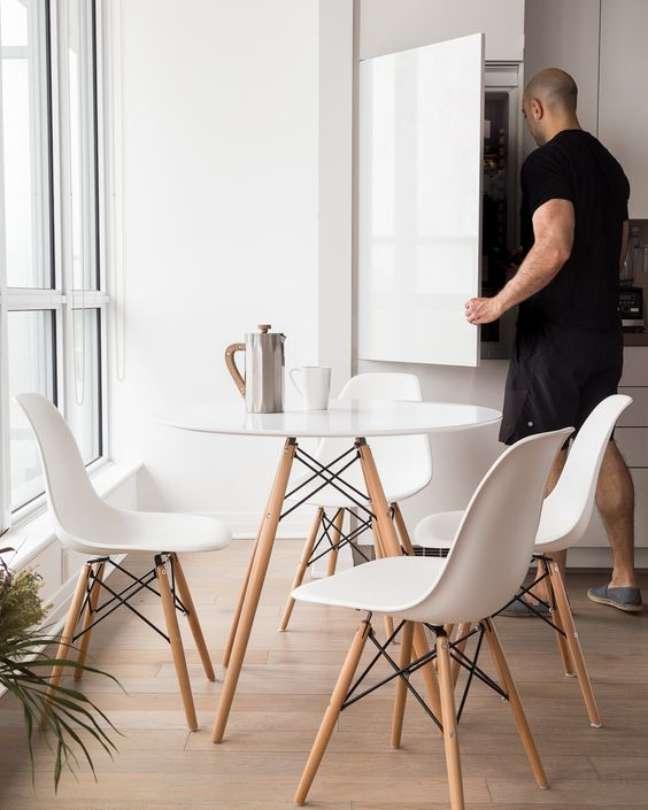 15. Cozinha pequena com conjunto de mesa eiffel – Foto Cookprimal gourmet