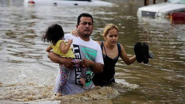 Inundações em Honduras causadas pelo furacão Eta
