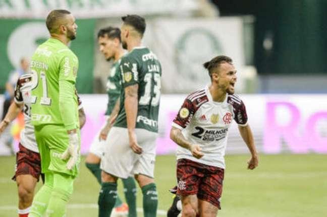Michael fez dois gols no Allianz Parque (Foto: Marcelo Cortes/Flamengo)