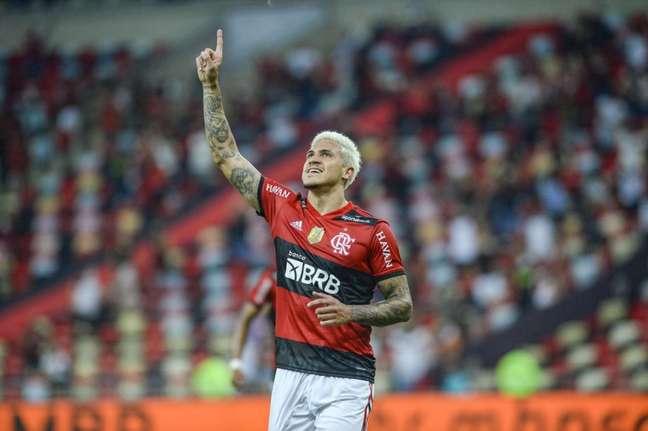 Pedro passou Adriano na lista de artilheiros do Flamengo (Foto: Marcelo Cortes/Flamengo)