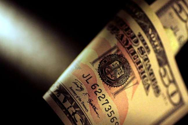 Cédula de dólar dos EUA 22/06/2017 REUTERS/Thomas White