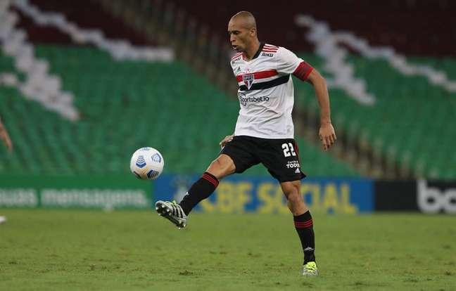 Miranda será desfalque no São Paulo para o pegar o Atlético-GO (Foto: Rubens Chiri/saopaulofc.net)