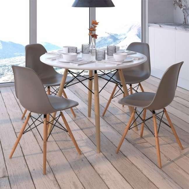 8. Área gourmet com mesa eiffel redonda para 4 lugares – Foto InMood