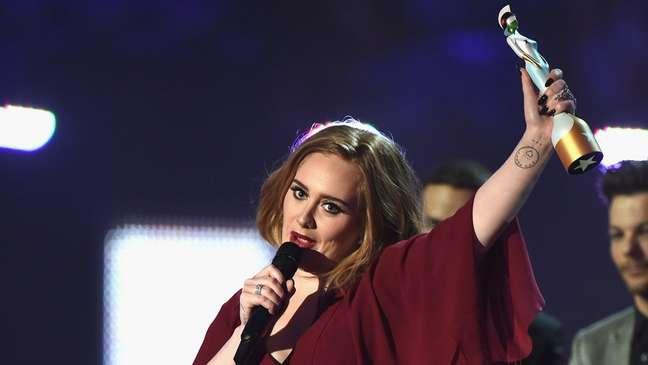 A cantora Adele, a gravadora XL e o compositor Greg Kurstin já foram notificados extrajudicialmente sobre acusação de plágio