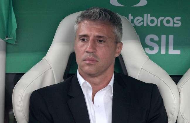 Crespo poderá trazer Marquinhos como novidade em lista de relacionados para o jogo de domingo