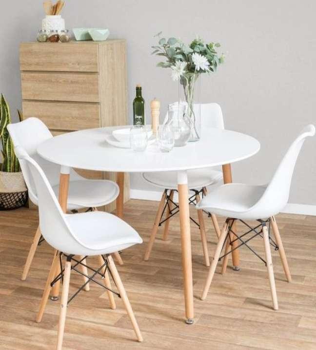 24. Mesa eiffel para sala de jantar branca – Foto Moda Home VB