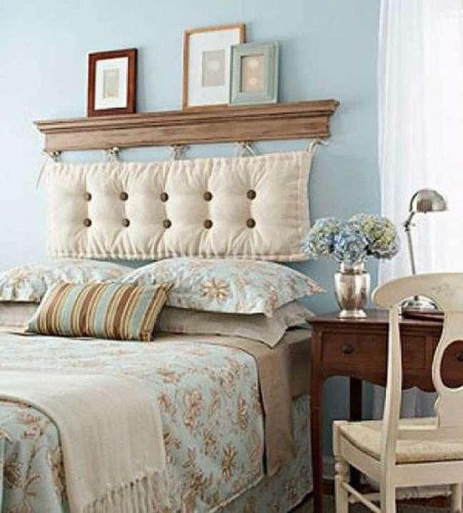 38. Almofada de cabeceira bege de futon – Foto Ideias de Bricolaje