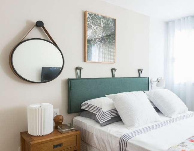 2. Almofada de cabeceira na cor verde para quarto de casal – Foto Elo7 Lua Cheia Futon e Futons