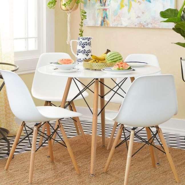 12. Cozinha com mesa eiffel 4 lugares pequena – Foto Amazon