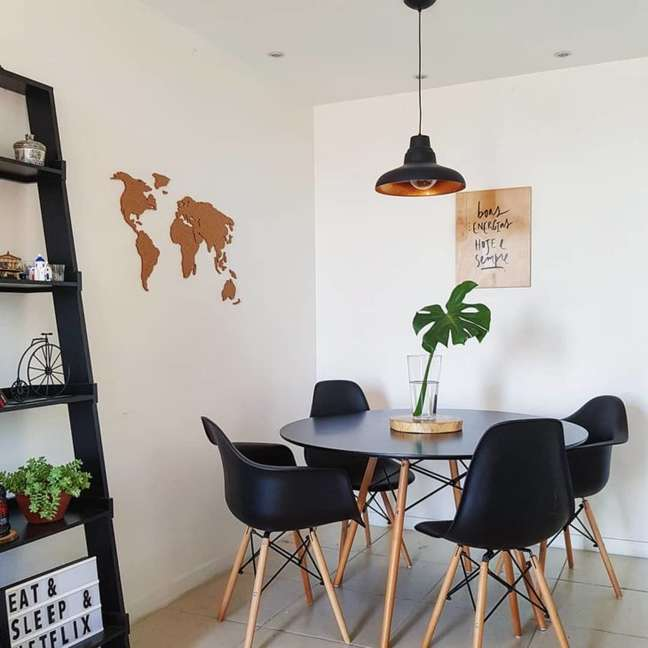 29. Mesa eiffel preta para sala de jantar – Foto Detalhes do 701