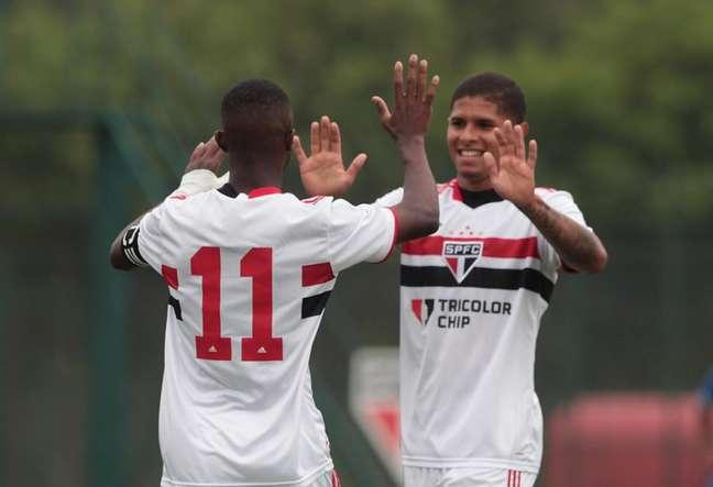 São Paulo goleou o SC Brasil por 12 a 1 (Foto: Rubens Chiri/Saopaulofc.net)