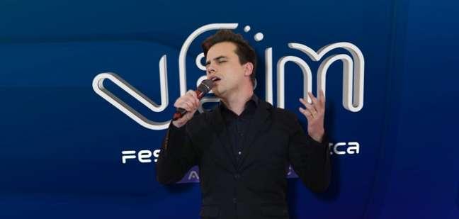 O cantor Danilo Dyba, que se destacou no 'The Voice' e hoje se dedica à música católica