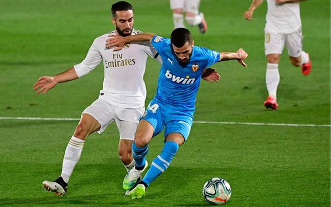 Valencia e Real Madrid fazem confronto pela liderança do Espanhol (Foto: Javier Soriano/AFP)