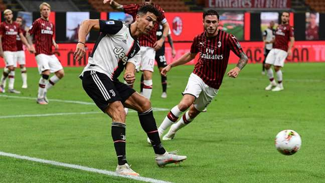 No último jogo entre os gigantes, o Milan venceu a Juventus por 3 a 0, em maio (Foto: AFP)