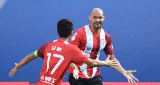 Felipe Silva vive grande fase no futebol chinês com o Chengdu Better(Foto: Divulgação/assessoria do jogador)