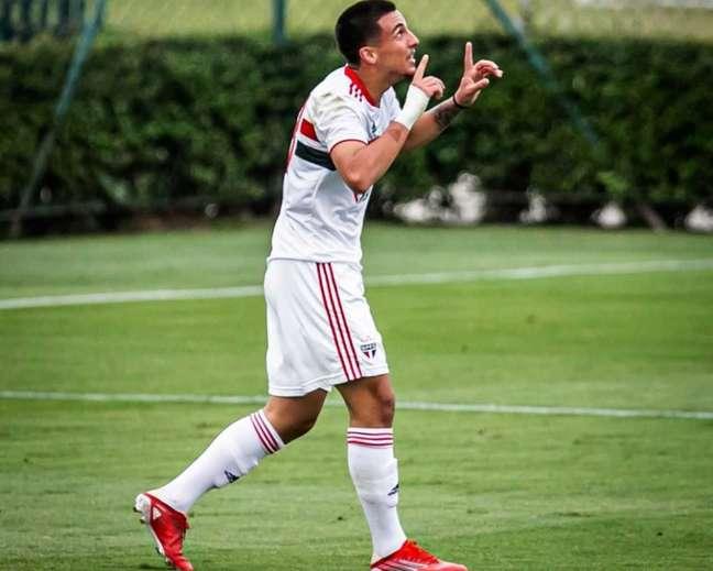 Stevanato marcou seu primeiro gol com a camisa do São Paulo (Foto: Victor Monteiro)