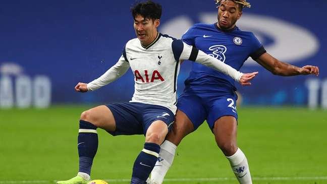 Tottenham e Chelsea farão clássico londrino neste domingo (Foto: CLIVE ROSE / POOL / AFP)