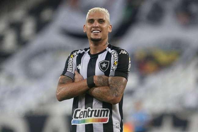 Navarro marcou o gol da virada do Botafogo contra o Náutico (Foto: Vítor Silva/Botafogo)