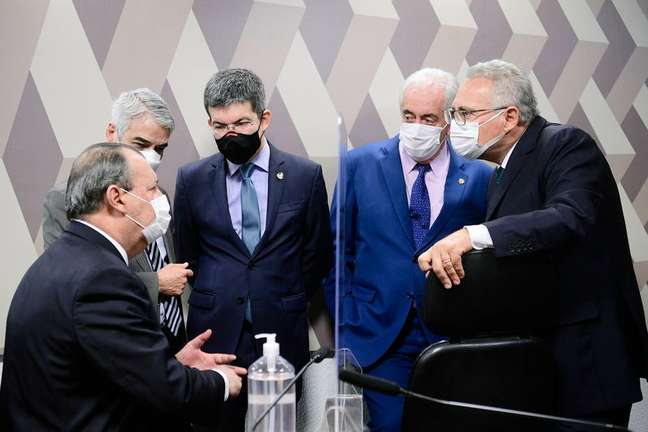 Integrantes da CPI da Covid; Prevent Senior virou alvo da comissão após médicos enviarem dossiê ao Senado.
