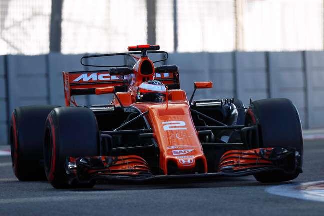 Stoffel Vandoorne com a McLaren MCL32.