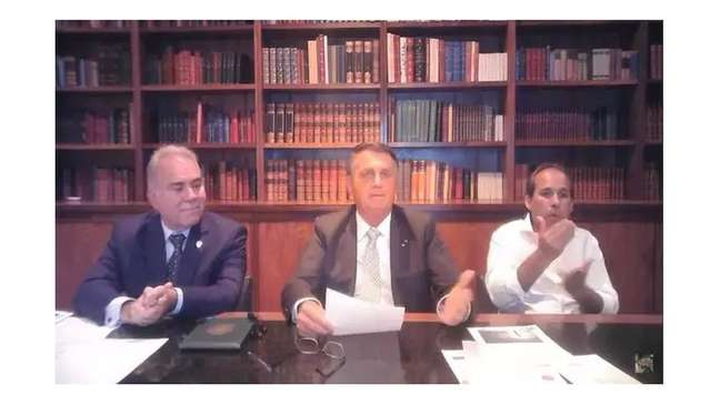 Na última live semanal antes do discurso na ONU, Bolsonaro voltou a lançar dúvidas sobre a eficácia da vacina