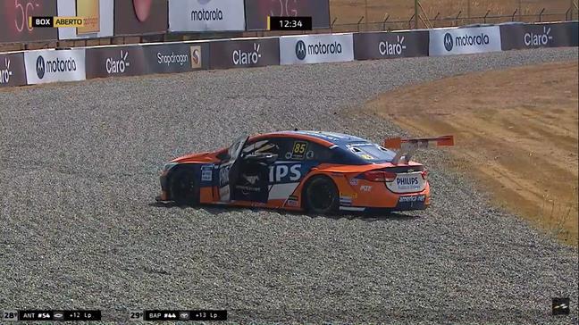 O abandono de Guilherme Salas forçou a entrada do segundo safety-car da prova
