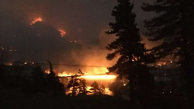 Incêndio devastou Lytton em questão de minutos; caso virou tema de campanha nas eleições canadenses