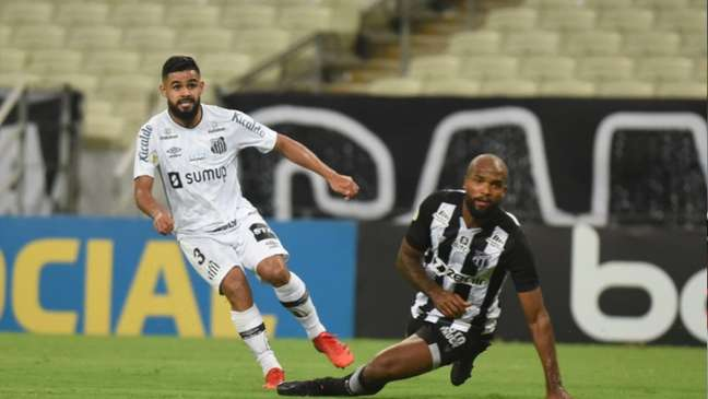 O lateral Felipe Jonatan teve bons momentos no jogo deste sábado, em Fortaleza (Divulgação / Twitter Santos)