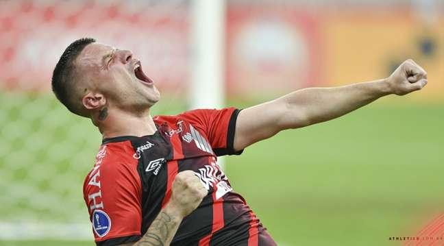Confronto foi definido com gol de Renato Kayzer (José Tramontin/athletico.com.br)