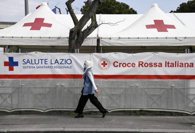 Centro de vacinação na Estação Termini, em Roma