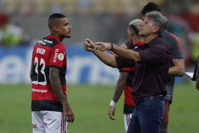 O técnico Renato Gaúcho durante a partida contra o Grêmio, neste domingo (Foto: Marcelo Cortes/Flamengo)