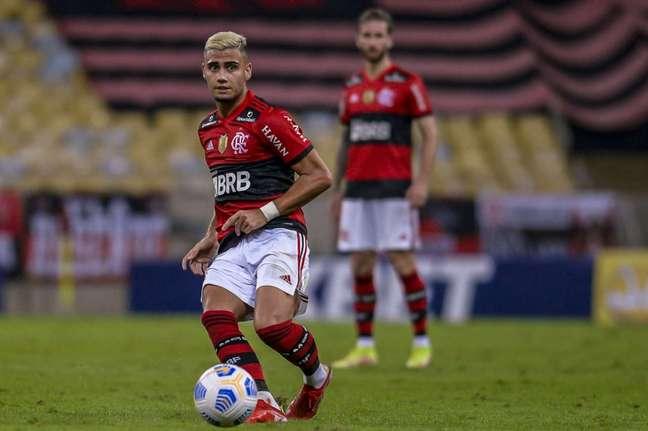 Renato comenta posição de Andreas Pereira e admite possibilidade do meia jogar mais avançado