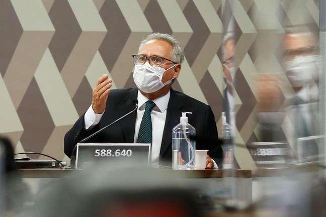 Renan Calheiros durante reunião da CPI da Covid no Senado 16/09/2021 REUTERS/Adriano Machado
