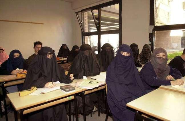 Itália pede postura intransigente para garantir direitos de afegãs