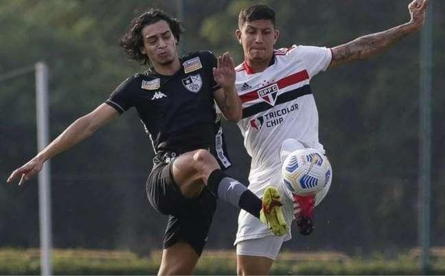 Botafogo venceu o São Paulo por 3 a 2, em Cotia (Foto: Miguel Shincariol/Saopaulofc.net)