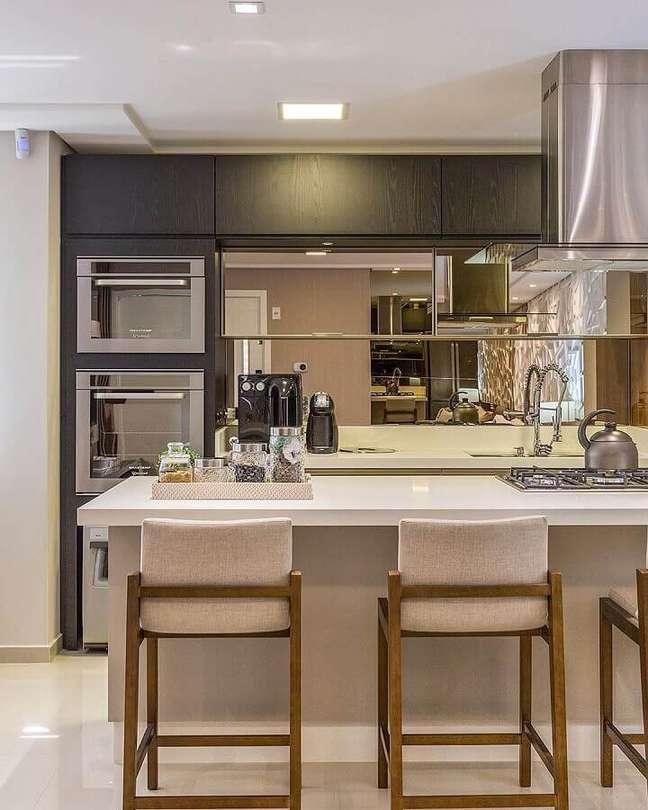 24. Cores neutras para decoração de sala e cozinha americana planejadas modernas – Foto: Juliana Agner Arquitetura