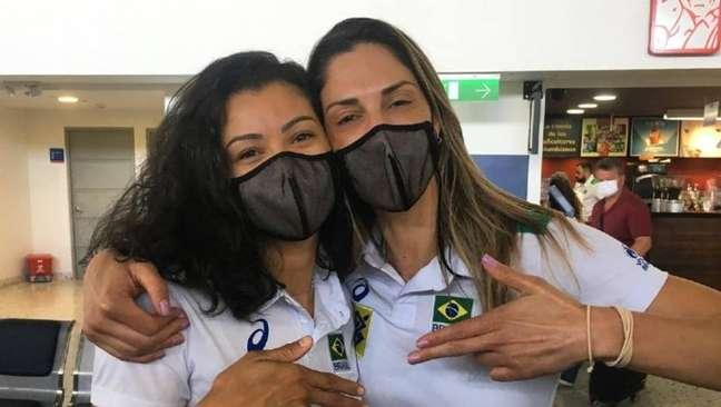 Carolana e Carol Gattaz foram confundidas na premiação do Sul-Americano de Vôlei.