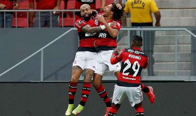 Flamengo é o mais cotado para ser o campeão Montagem Lance! Fotos: Alexandre Vidal / Flamengo