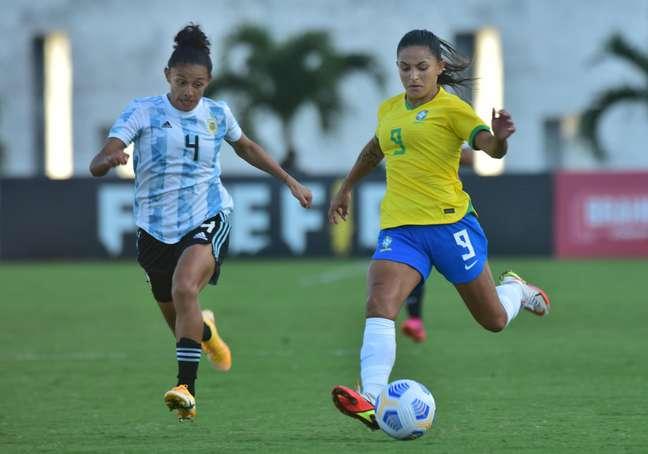 Seleção Feminina vence Argentina por 4 a 1