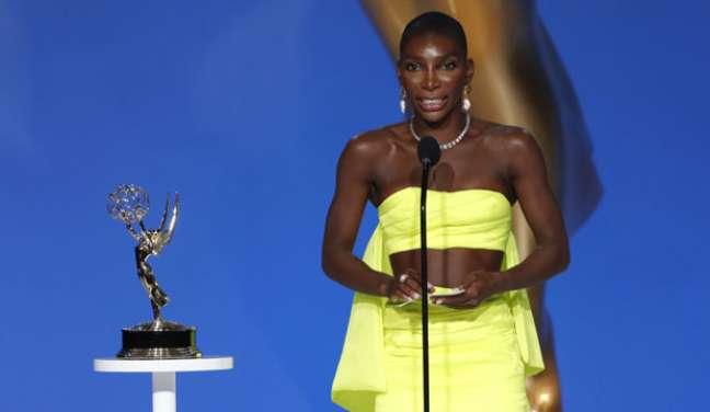 """Michaela Coel discursa ao vencer o Emmy de melhor atriz por """"I May Destroy You"""""""