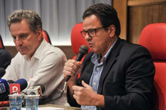 Rodolfo Landim, presidente do Flamengo, à esquerda, eRodrigo Dunshee, vice geral e jurídico do Flamengo, à direita (Foto:Marcelo Cortes/Flamengo)