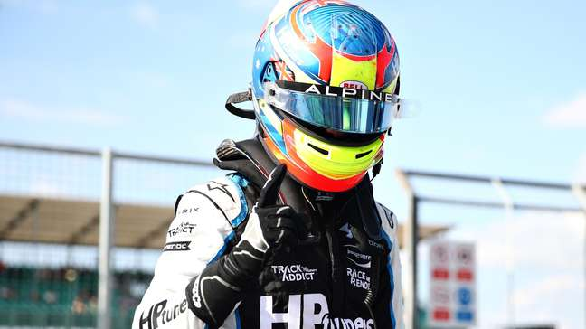 Oscar Piastri é o líder da Fórmula 2 com 147 pontos