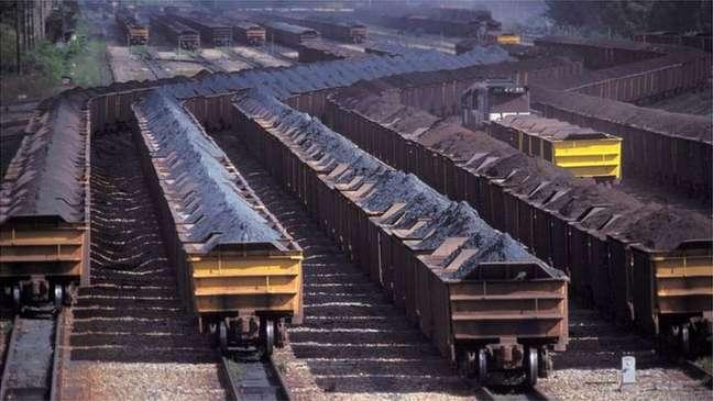 Desde a cotação recorde de US$ 240 por tonelada atingida em maio, minério de ferro acumula queda de 61%