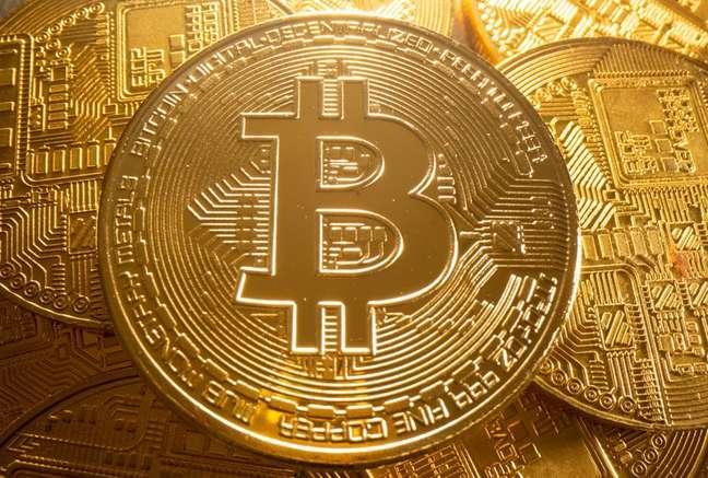 Representação física da moeda virtual bitcoin. 6/8/2021. REUTERS/Dado Ruvic