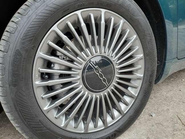 Fiat 500e Icon.